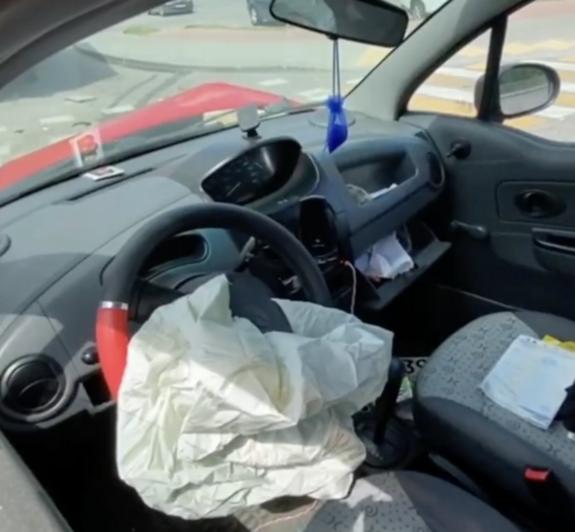 В Гурьевском районе водитель легковушки пострадала в ДТП с грузовиком - Новости Калининграда   Изображения: кадры из видео