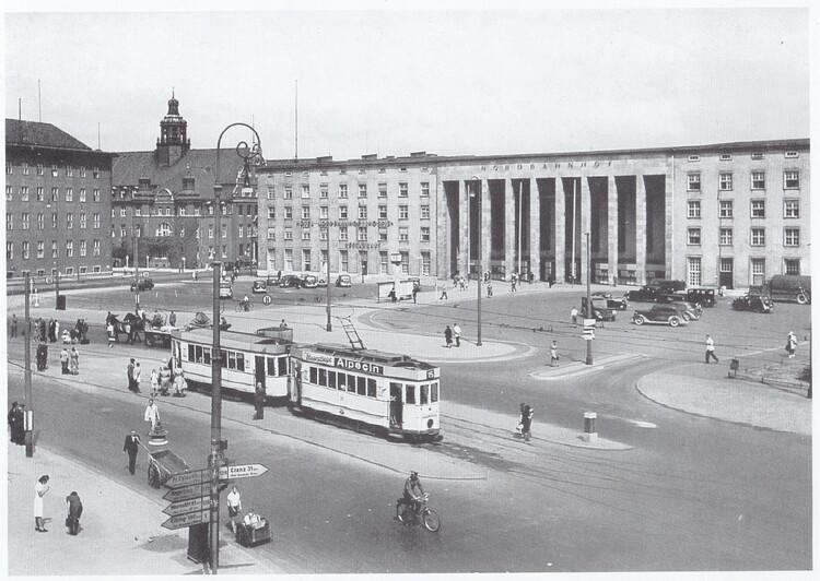 Ганзейская площадь со зданием Северного вокзала | Фото 1930 года