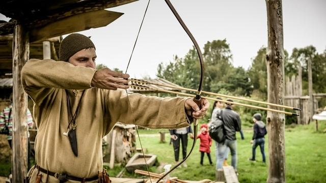 «День с викингами», «Ночь огня» и костюмированное шоу: какие интерактивы пройдут в деревне «Кауп»