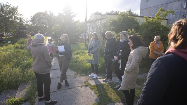 «Даже насекомые падают замертво»: жителей улицы Дзержинского три года мучают токсичные выбросы
