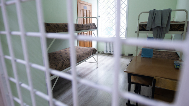 Не в тюрьме, но за решёткой: как устроен калининградский центр для трудных подростков