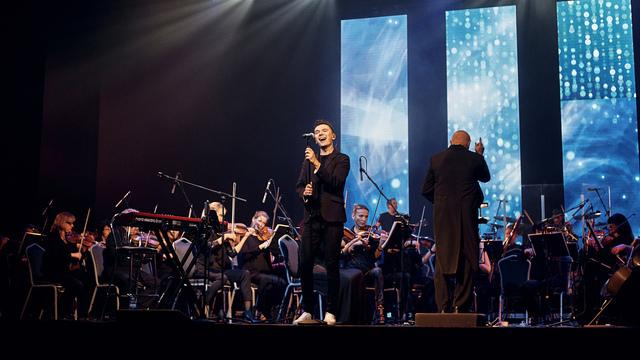 В Светлогорске отменили концерт Ильи Хвостова с группой «МЫсли вслух» и симфоническим оркестром