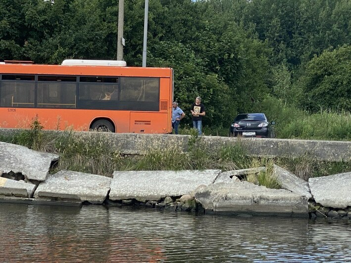 Очевидцы: в Прегольском столкнулись два автобуса (фото) - Новости Калининграда | Фото очевидца