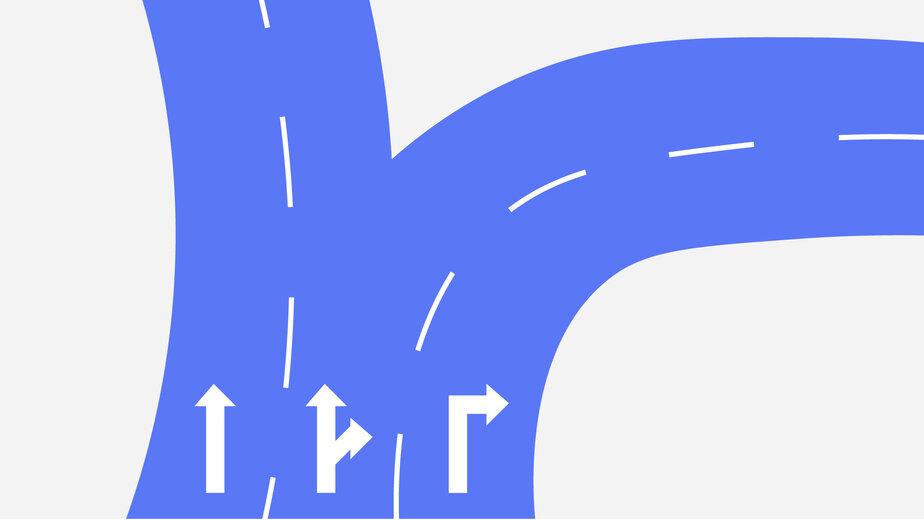 На площади Василевского вернули поворот направо с двух полос (схема) - Новости Калининграда | Коллаж Евгении Будадиной