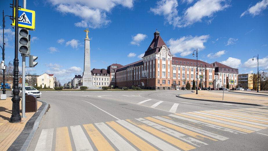 В центре Гусева за 680 млн продают историческое здание с башенкой, часами и барельефами - Новости Калининграда | Фото: архив «Клопс»