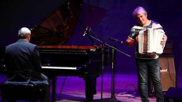 В Светлогорске с сольным концертом выступит баянист и певец Валерий Сёмин