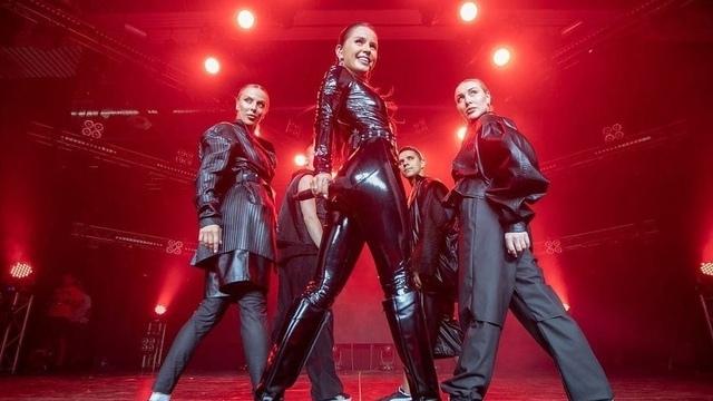 В Светлогорске перенесли сольный концерт певицы Zivert