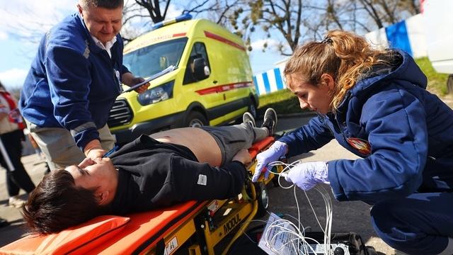 Что такое «вторичное утопление» и сколько времени есть на спасение: калининградский врач — о реанимации купальщиков