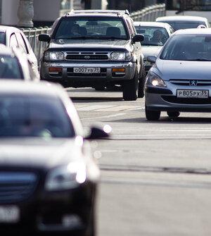 Эксперт объяснил, почему нельзя долго находиться в припаркованной машине с работающим кондиционером