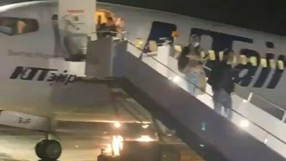 Самолёт с экс-губернатором Калининградской области попал в грозовой фронт - Новости Калининграда | Фото очевидцев