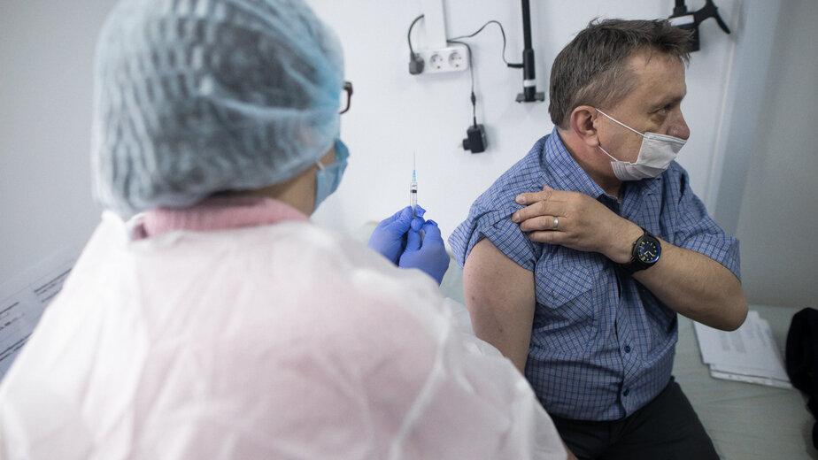 В Роспотребнадзоре советуют ревакцинироваться от коронавируса каждые полгода - Новости Калининграда | Фото: Александр Подгорчук