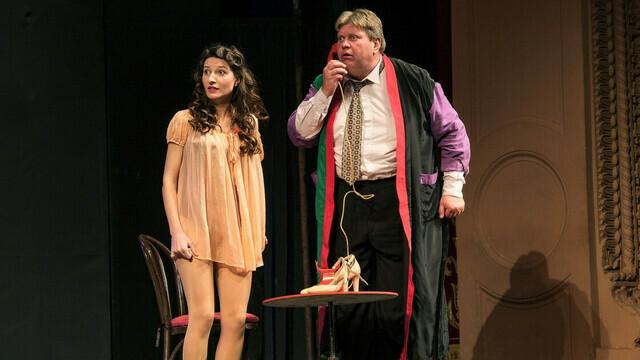 Осенний антидепрессант: калининградский драмтеатр покажет комедию «№13»
