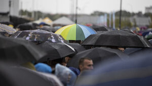Как выбрать зонт на осень: советы калининградского стилиста