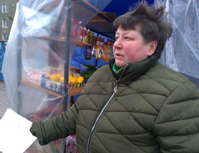 У хозяйки овощной палатки на Северном вокзале хотят забрать собак - Новости Калининграда