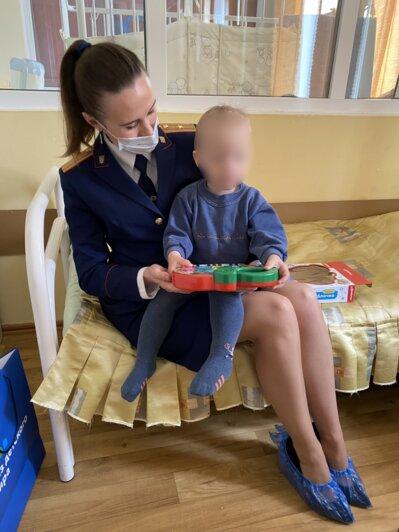 СК: состояние избитого мальчика, найденного в подъезде на Левитана, не вызывает опасений - Новости Калининграда   Фото: региональный СКР