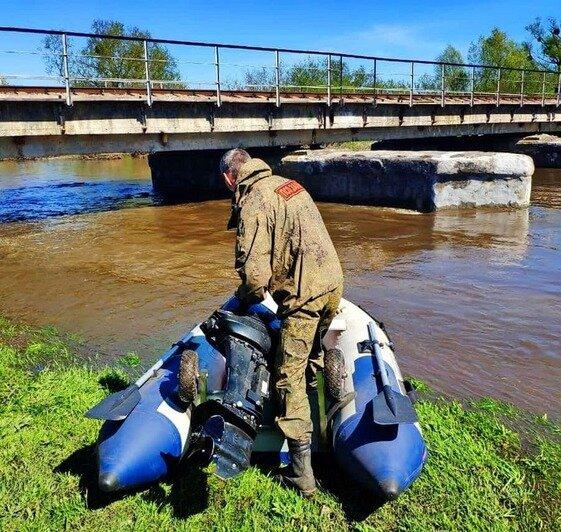 Место трагедии. Фотография сделана с разницей в сутки — уровень реки резко упал | Фото: ПСО «Запад»
