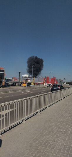 Очевидцы: в Калининграде произошёл пожар на территории «Мираторга» (видео) - Новости Калининграда | Фото очевидцев