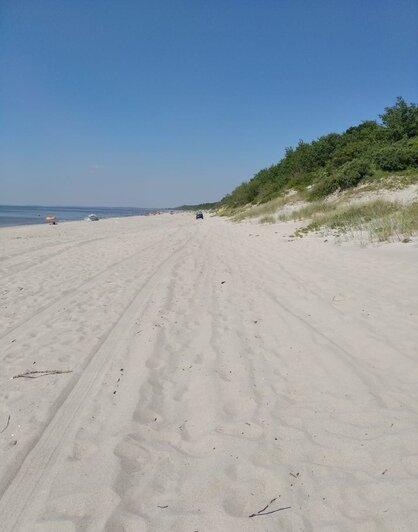 Под Балтийском на пляже с отдыхающими катался внедорожник (фото) - Новости Калининграда | Фото очевидца