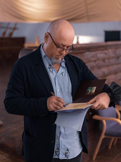 Рустам Алиев, коллекционер, руководитель Русского центра искусства | Фото: Олег Букин / Русский центр искусства
