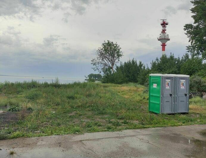 На Балткосе впервые поставили биотуалеты для туристов - Новости Калининграда   Фото: Валерия Надымова / Facebook